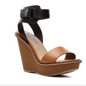 {STEVE MADDEN} Bantley Platform Ankle Wedge Sandal